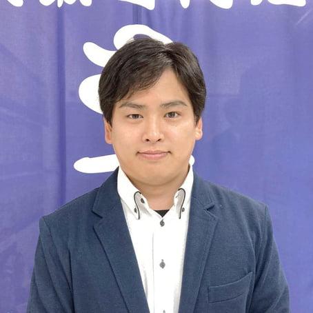 佐藤マネージャーの真顔